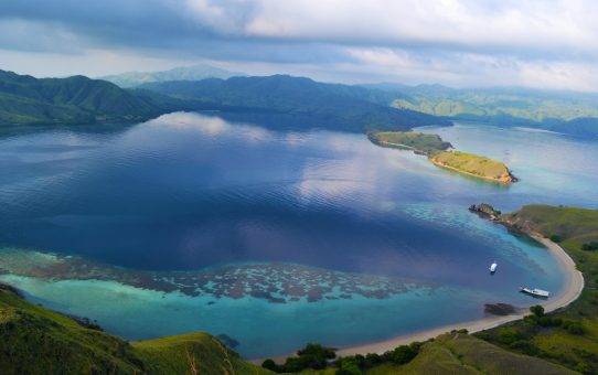 Nadando con mantas gigantes: De Lombok a Flores en barco II