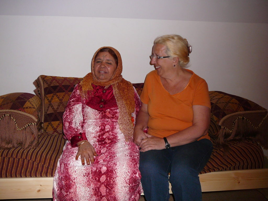 "Merce con ""su madre"" Argelina Zaouia, en Timimoun (Argelia)"